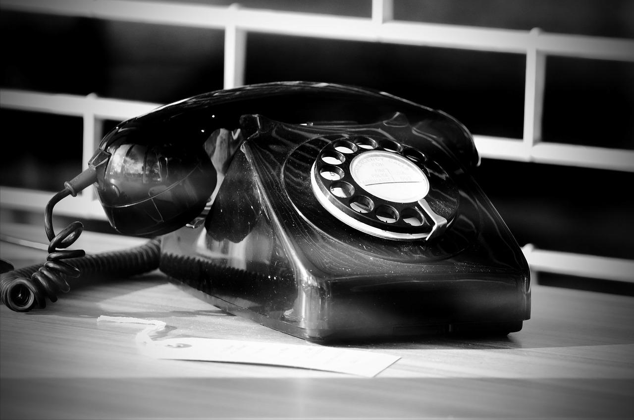 telephone-164250_1280